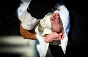 Ναύπλιο: Θρίλερ με μωρό που έκοψε και κατάπιε την πιπίλα του — Η μητέρα του ψώνιζε σε κατάστημα