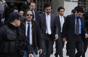 Ομέρ Τσελίκ: Περιμένουμε από τον Μητσοτάκη να μας παραδώσει τους οκτώ πραξικοπηματίες