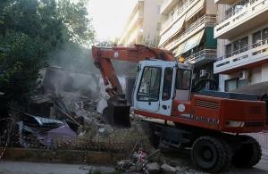 Κατεδαφίζονται 13 επικίνδυνα κτίρια στην Αθήνα