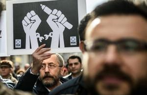 Δικαστικό μπλόκο σε 136 ιστότοπους που επικρίνουν την τουρκική κυβέρνηση