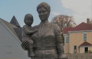 Ο Καναδάς τιμά τη γενναία νοσοκόμα που έσωσε χιλιάδες Έλληνες και Αρμένιους κατά τη Γενοκτονία (φώτο)