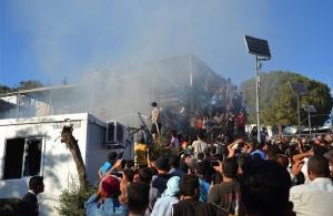 Προσφυγικό: Έκρυθμη η κατάσταση στη Μυτιλήνη — Αυξάνονται οι αστυνομικές δυνάμεις
