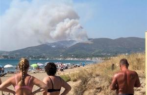 Μεγάλη φωτιά στη Ζάκυνθο: Ποντάρουν στην πτώση του αέρα (φωτο)