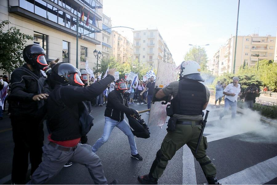 Ένταση στην πορεία κατά του Πομπέο — Χρήση δακρυγόνων από τα ΜΑΤ