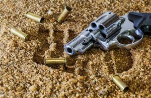 Τρόμος σε σχολείο στην Κρήτη, μαθητής τράβηξε όπλο
