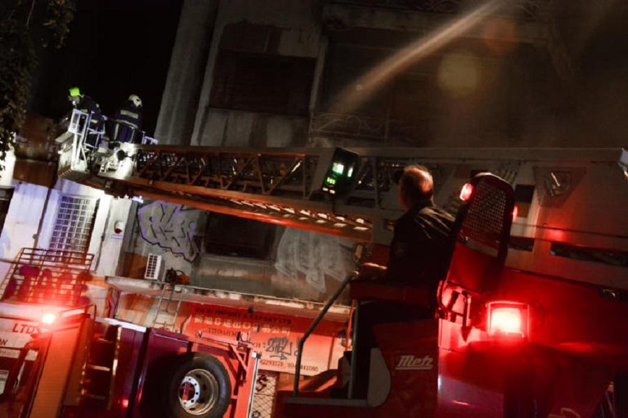 Τραγωδία στου Ζωγράφου: Ηλικιωμένη νεκρή μετά από φωτιά σε διαμέρισμα