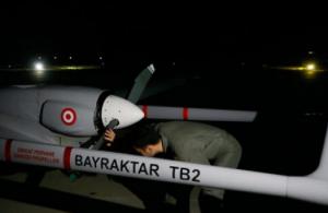 Καρέ καρέ η προσγείωση του πρώτου τουρκικού drone στα κατεχόμενα