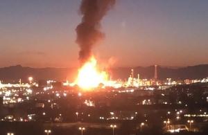 Ισπανία: Μεγάλη έκρηξη σε εργοστάσιο χημικών — Ζητούν από τους κατοίκους να μείνουν στα σπίτια τους