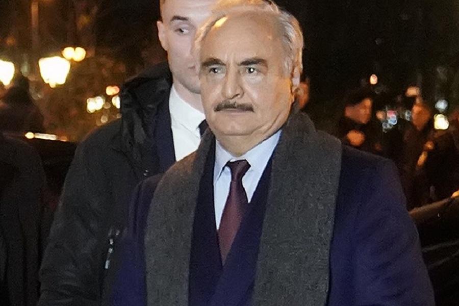 Διπλωματική ρελάνς η επίσκεψη Χαφτάρ στην Αθήνα: Το παρασκήνιο και οι συναντήσεις του Λίβυου στρατάρχη