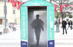 Κορονοϊός: Καμπίνα απολύμανσης με… ατμό στα Κοτύωρα του Πόντου (βίντεο)