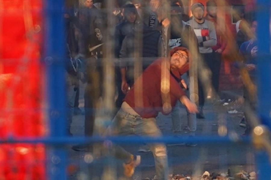 Εβρος: Προσπάθεια εισβολής από μετανάστες -Με δακρυγόνα, πέτρες και φωτιές