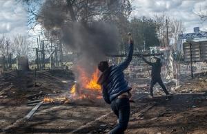 Έβρος: Πάνω από 13.000 μετανάστες στα ελληνοτουρκικά σύνορα – Δεύτερη νύχτα χάους