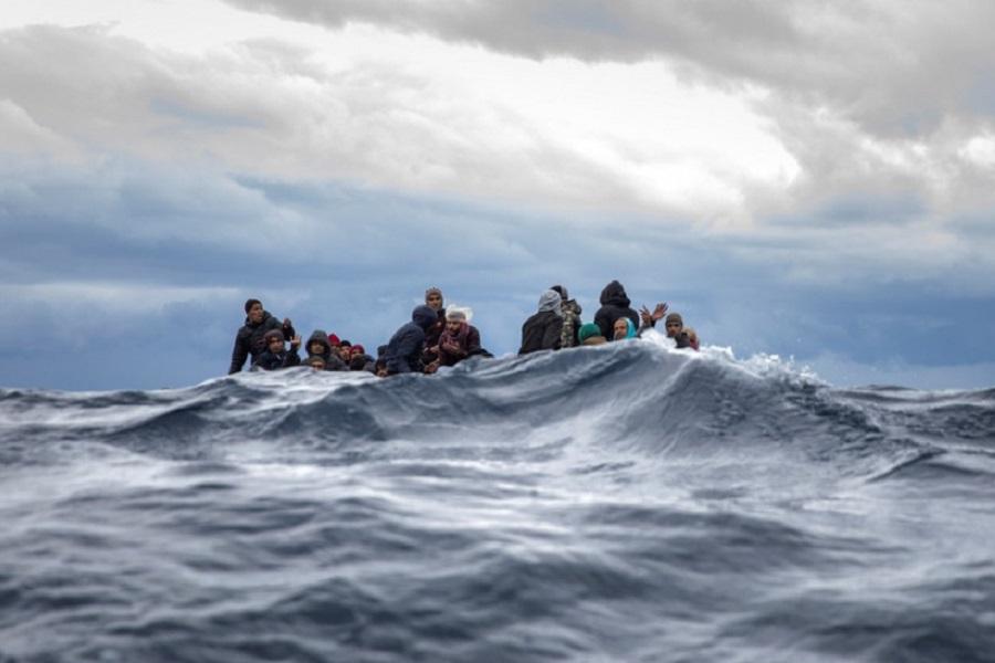 «Επιθετική επιτήρηση»: Πώς μηδενίστηκαν οι αφίξεις μεταναστών στα νησιά του Αιγαίου