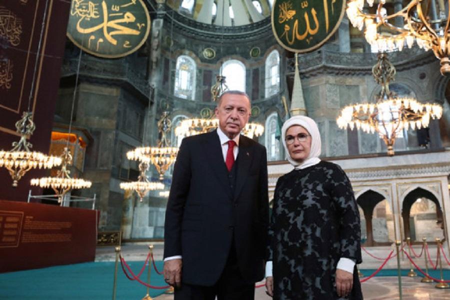 Σήμερα γίνεται η Αγιά Σοφιά τζαμί — Η προκλητική φιέστα που ετοιμάζει ο Ερντογάν.