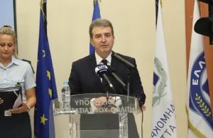 Διαφθορά στην ΕΛ.ΑΣ.: Ο Χρυσοχοΐδης «ξήλωσε» όλους τους επίορκους αστυνομικούς