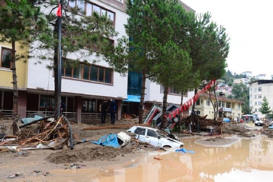 Τουρκία: 5 νεκροί και 12 αγνοούμενοι από τις πλημμύρες σε περιοχές του Πόντου (φωτο, βιντεο)