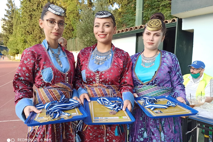 Ζουπουνοφόρες του «Φάρου» Αγίας Βαρβάρας απένημαν τα μετάλεια στα «Τρίτσεια 2020» (φωτο)