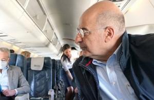 Οι Τούρκοι «κράτησαν στον αέρα» για 20 λεπτά το αεροσκάφος που μετέφερε τον Δένδια!