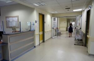 Εθελοντές στα νοσοκομεία: Oι 21 βουλευτές που ρίχνονται στη μάχη κατά της πανδημίας