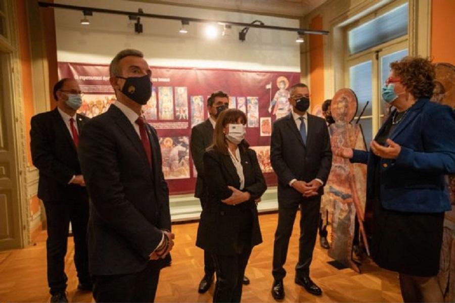 Η Πρόεδρος της Δημοκρατίας Κατερίνα Σακελλαροπούλου στο μουσείο της Μέριμνας Ποντίων Κυριών Θεσσαλονίκης