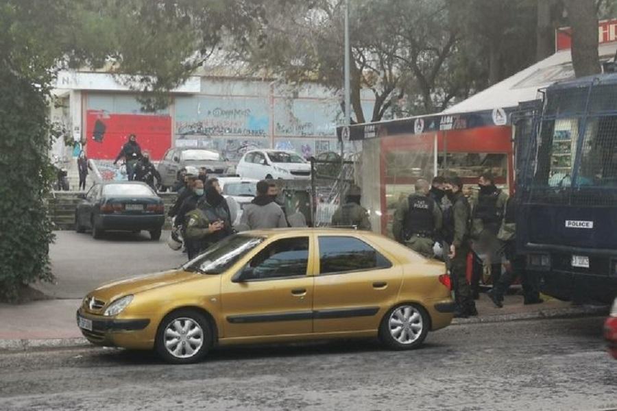 Έφοδος της αστυνομίας στις ΦΕΠΑ (φωτο, βιντεο)