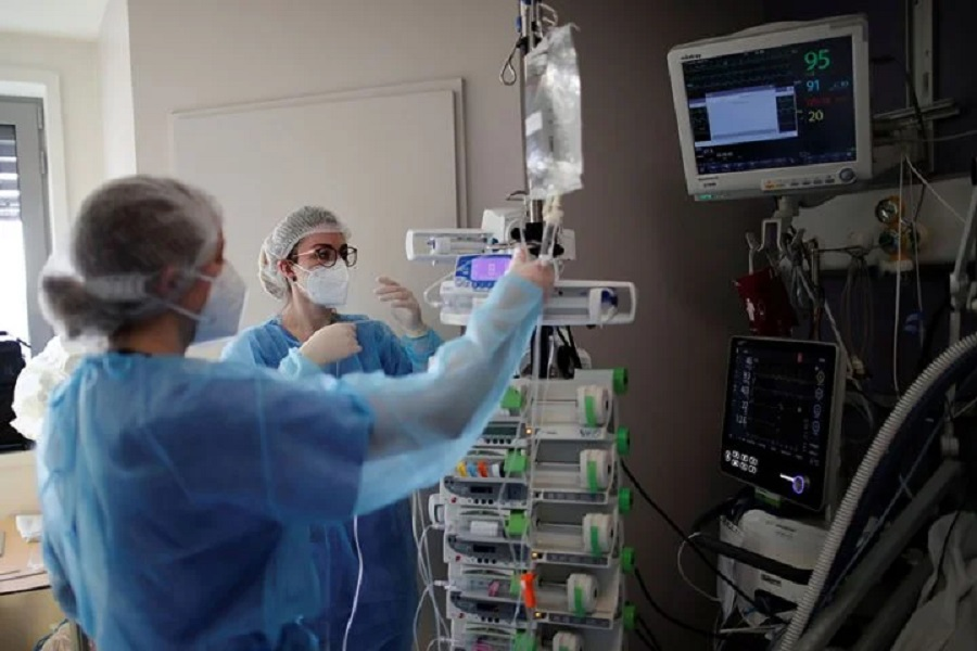 Επιστράτευση 206 ιδιωτών γιατρών