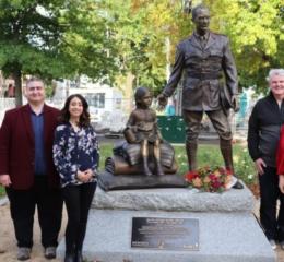 Πολιτικοί της Βικτώριας τίμησαν την μνήμη του George Devine Treloar στο Ballarat της Αυστραλίας