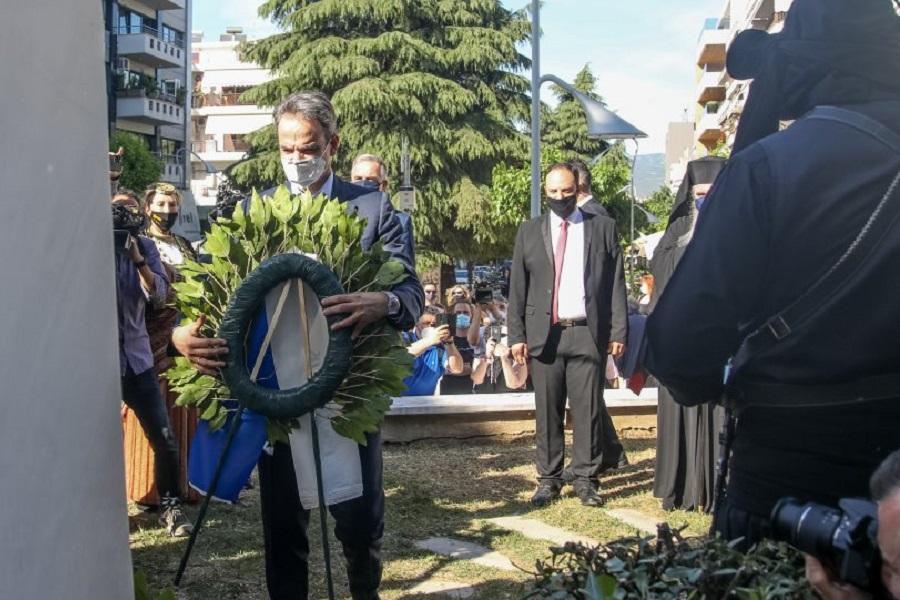 Ο Μητσοτάκης κατέθεσε στεφάνι στην Καλαμαριά για τα θύματα της Γενοκτονίας των Ποντίων