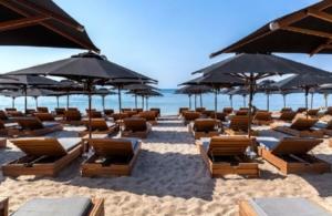 Lockdown: Ανοίγουν οργανωμένες παραλίες