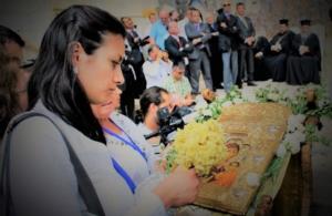 ΠΟΕ: «Αναίτια και προκλητική στάση του τουρκικού κράτους απέναντι σε Ελληνίδα υπήκοο και τον ανήλικο γιο της.»