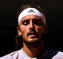 Roland Garros: Πάλεψε σαν λιοντάρι, αλλά λύγισε ο Τσιτσιπάς από τον τρομερό Τζόκοβιτς (βίντεο)