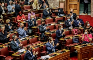 Πέρασε με 158 «ναι» το εργασιακό νομοσχέδιο