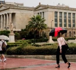 Κακός ο καιρός και σήμερα: Καταιγίδες στην Αττική, χαλάζι στη Θεσσαλονίκη
