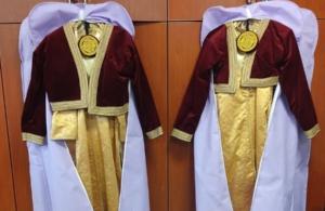 Δωρεά ποντιακών φορεσιών στην Εύξεινο Λέσχη Σερβίων από τον Δήμο