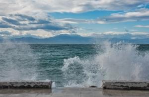 Απαγορευτικό απόπλου λόγω ισχυρών ανέμων σε Πειραιά, Λαύριο και Ραφήνα